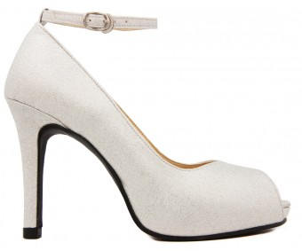 (Sold out, custom made is available)Brittany Luzzi Silver Glitter Dinner Shoes (Ready Stock)